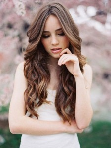 Quinceanera-curls-loose-waves-hairstyle