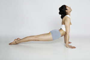 thehealthbits.com-Cinthia-Torres_Quince-health-Upward-facing-dog-yoga-pose