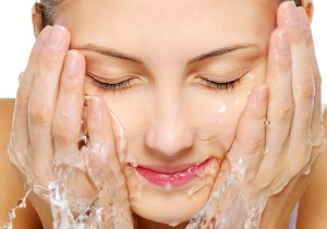 Girl-Washing-Her-Face