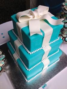 Blue-Tiffany-Box-Shaped-Cake