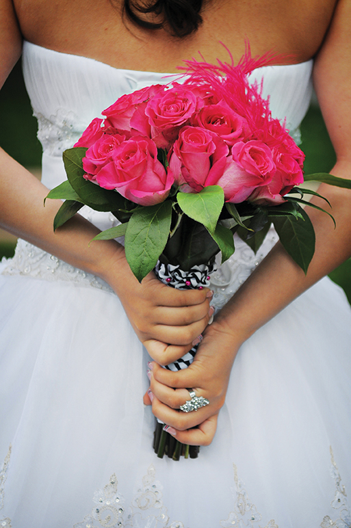 Girl_in_white_dress_pink_bouquet
